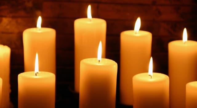 Kultura Pytanie-Ciekawostka: Ile świec ma menora Chanuka?