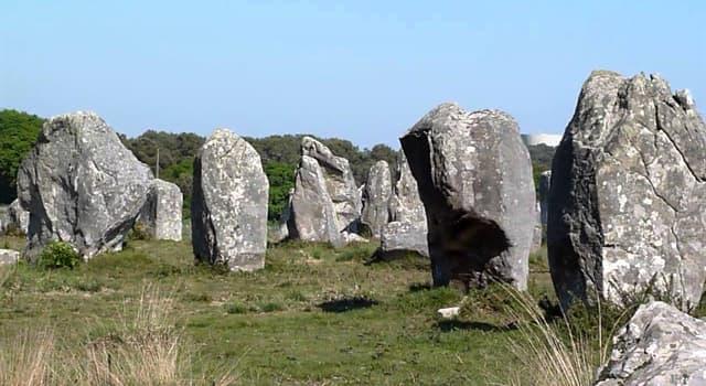 Geographie Wissensfrage: In welchem Land befinden sich die Steinfelder von Carnac?