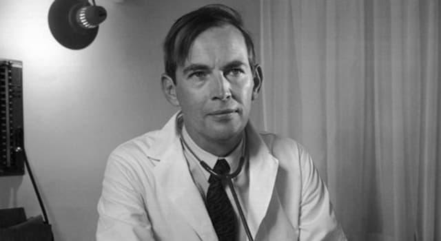 Наука Запитання-цікавинка: Який орган людини був вперше успішно трансплантовано Крістіаном Барнарда?