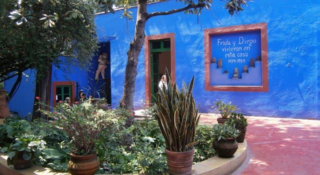 Суспільство Запитання-цікавинка: Який революційний діяч У 1937-1939 роках жив у будинку Фріди Кало?