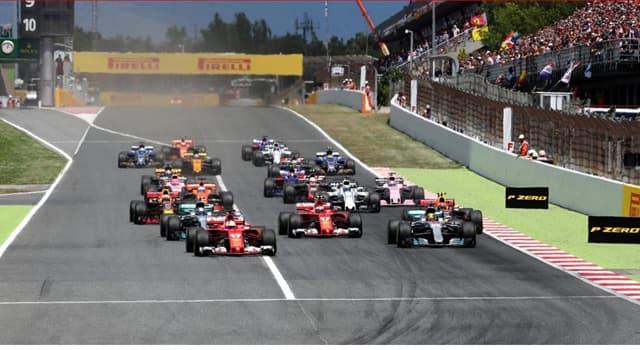 sport Pytanie-Ciekawostka: Stanem na 2018 rok, kto jest najmłodszym kierowcą, który uczestniczył w wyścigu Formuły 1?