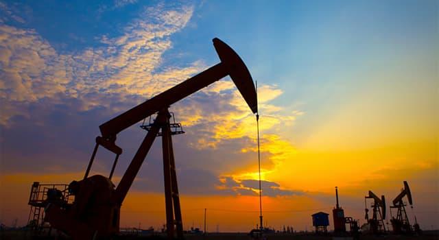 Історія Запитання-цікавинка: В якій країні було проведено перше в світі буріння свердловини для цілей нафтовидобутку?
