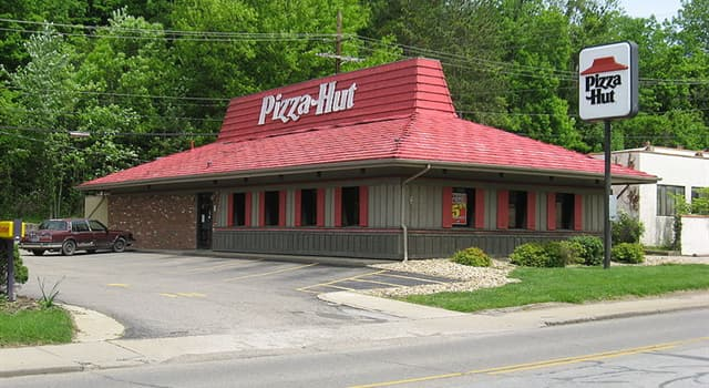 """Culture Trivia Question: Which year was the American restaurant chain """"Pizza Hut"""" founded?"""