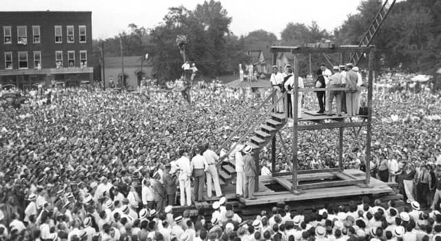 History Trivia Question: Where and when was the last public hanging in the United States?
