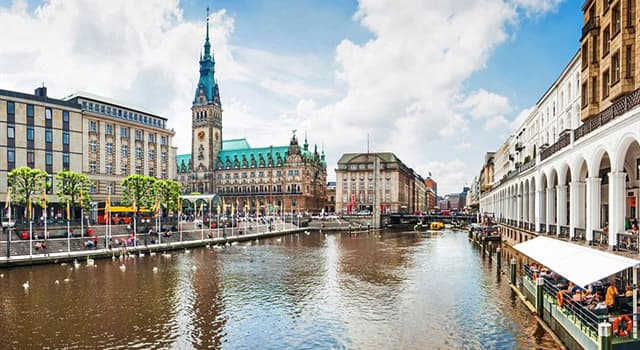 Geography Trivia Question: Which is the largest and most populous city that stands on the River Elbe?