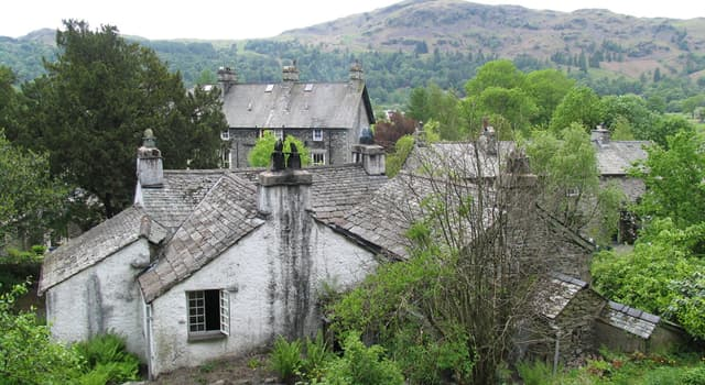 Culture Trivia Question: Which poet lived at Dove Cottage?