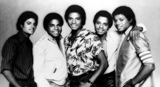 """Kultura Pytanie-Ciekawostka: Z kim śpiewali Michael Jackson i jego bracia w piosence """"State of Shock"""" wydanej w 1984 roku?"""