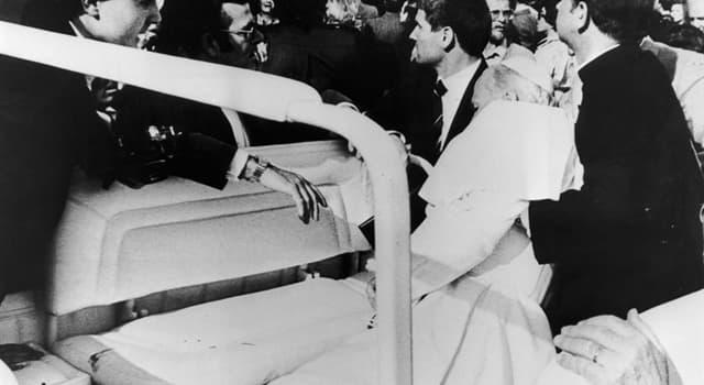 Geschichte Wissensfrage: Auf welchen Papst wurde 1981 ein Attentat verübt?
