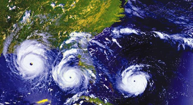 Natur Wissensfrage: Bei welcher Windgeschwindigkeit wird ein tropischer Sturm zu einem Hurrikan?