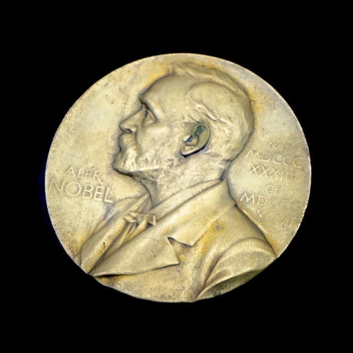 Historia Pregunta Trivia: ¿Cuál fue el primer presidente de Costa Rica en recibir un premio Nobel ?