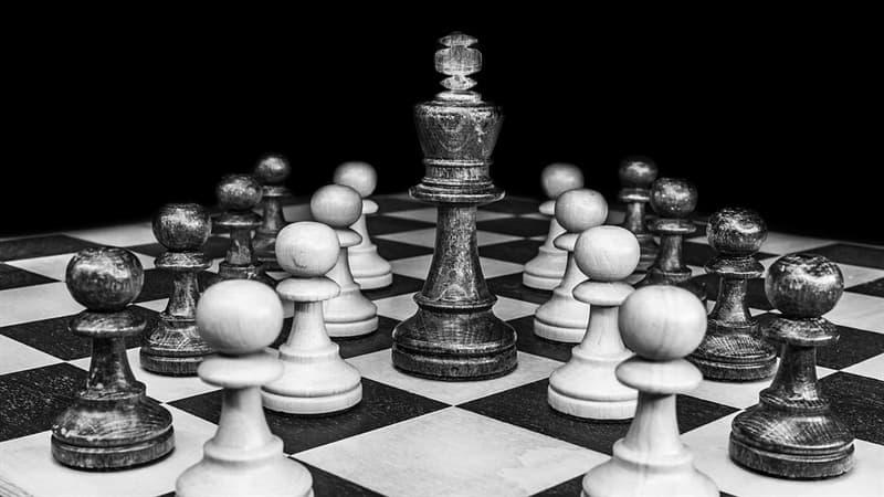 Cultura Pregunta Trivia: ¿Cuál fue, según la versión más aceptada, el nombre original del juego del que derivó el ajedrez?
