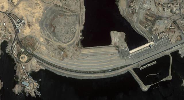 Geographie Wissensfrage: Der Assuan-Damm ist ein riesiger Damm, der das Wasser welches Flusses enthält?