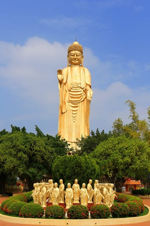 Cultura Pregunta Trivia: ¿Dónde se encuentra la gran estatua de Buda que muestra la imagen?