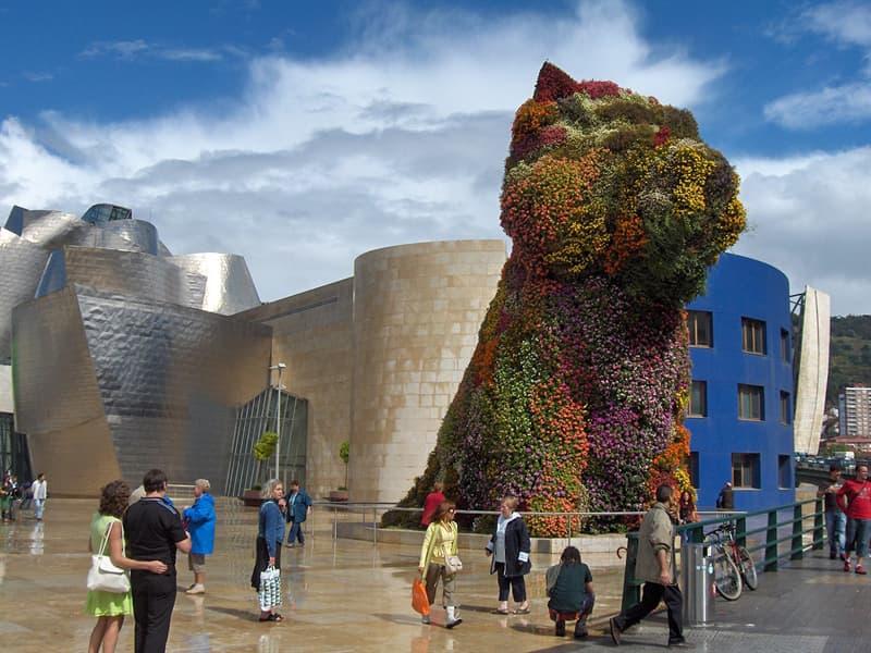 Cultura Pregunta Trivia: ¿En qué ciudad se encuentra permanentemente la escultura floral de la imagen?