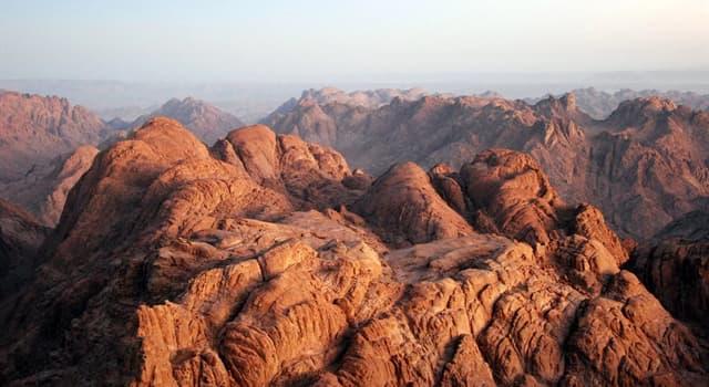 Geografia Pytanie-Ciekawostka: Gdzie znajduje się góra Synaj?