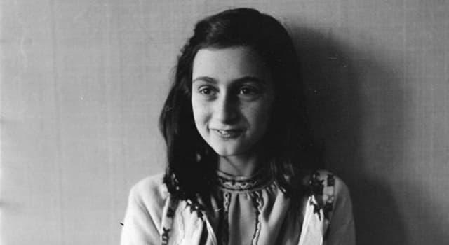 historia Pytanie-Ciekawostka: Ile lat miała Anna Frank kiedy umarła?