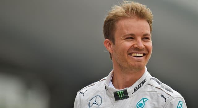 sport Pytanie-Ciekawostka: Ile lat po ojcu, Nico Rosberg wygrał Mistrzostwa Świata F1?