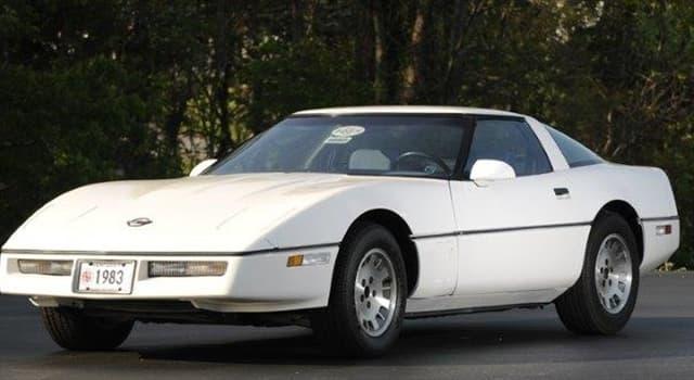 historia Pytanie-Ciekawostka: Ile sprzedano samochodów Corvette rocznik 1983?