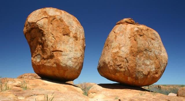 """Geographie Wissensfrage: In welchem Land befindet sich die Gesteinsformation namens """"Karlu Karlu""""?"""