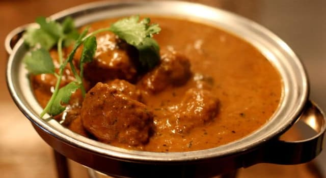 Culture Trivia Question: In which type of restaurant would you order the dish lamb pasanda?