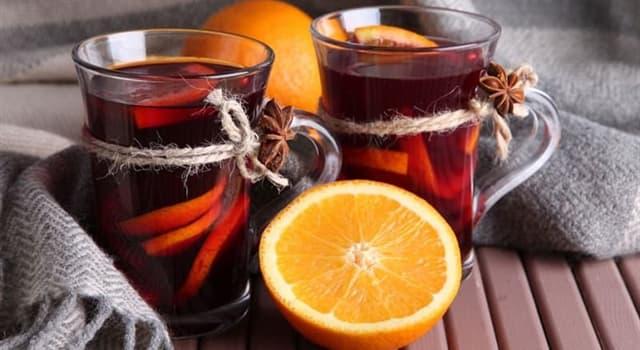 Kultura Pytanie-Ciekawostka: Jak nazywa się gorący napój alkoholowy z czerwonego wina i przypraw?