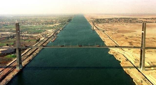 Geografia Pytanie-Ciekawostka: Jakie kontynenty rozdziela kanał Sueski?