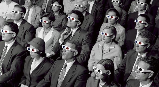 Фільми та серіали Запитання-цікавинка: Який з наступних фільмів переважно чорно-білий?