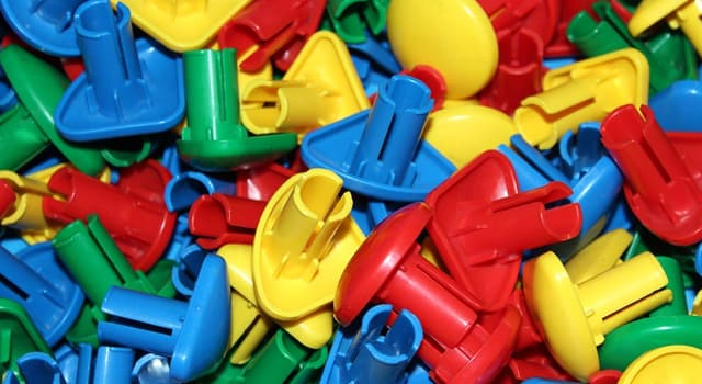 Наука Запитання-цікавинка: Який пластик винайшли найпершим?