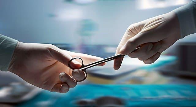 nauka Pytanie-Ciekawostka: Kto był jednym z pierwszych chirurgów we Włoszech, którzy skutecznie usunęli guzy mózgu?
