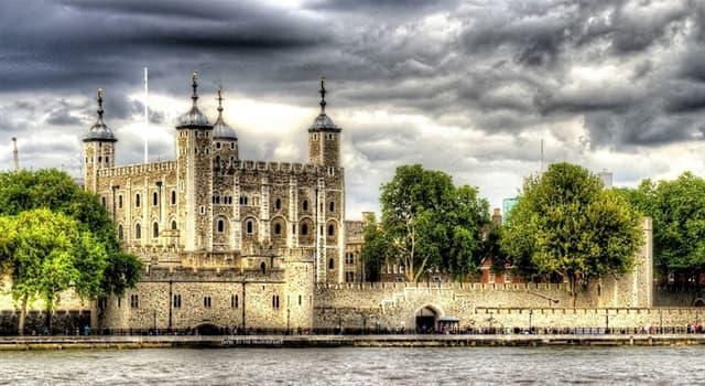 historia Pytanie-Ciekawostka: Kto zamówił budowę Białej Wieży, starej twierdzy, w Tower of London?