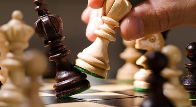 Kultura Pytanie-Ciekawostka: Która figura szachownicy ma najniższą wartość teoretyczną?