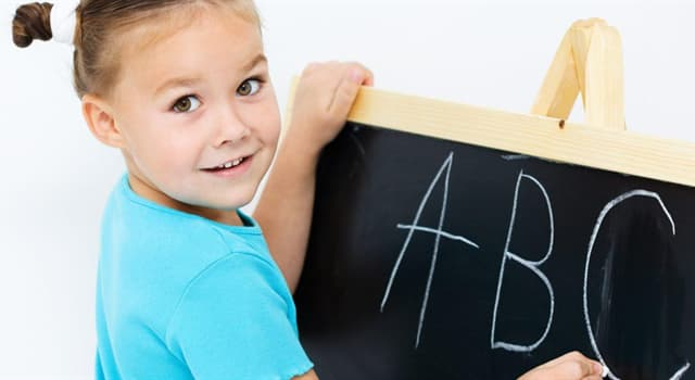 nauka Pytanie-Ciekawostka: Która gałąź językoznawstwa bada dźwięki ludzkiej mowy?