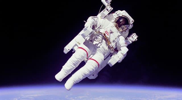 nauka Pytanie-Ciekawostka: Na której wysokości leży granica między Ziemią a przestrzenią kosmiczną?