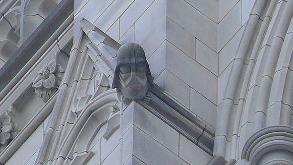 historia Pytanie-Ciekawostka: Na której katedrze w Stanach Zjednoczonych można zobaczyć głowę Dartha Vadera?