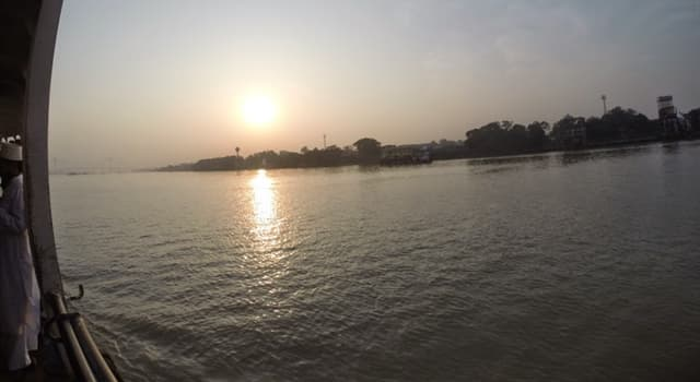 Geography Trivia Question: The Hooghly River is in which country?