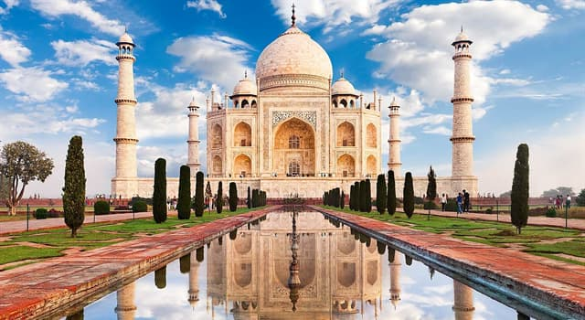 Geography Trivia Question: The Taj Mahal is located in which Indian state?