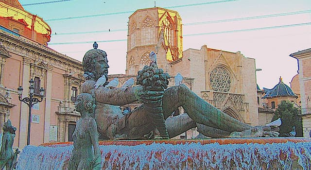 """History Trivia Question: The """"Plaza de la Reina"""" (Queen's Square) in Valencia was dedicated to what queen of Spain?"""
