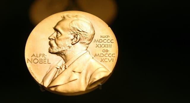 historia Pytanie-Ciekawostka: W jakiej kategorii Winston Churchill zdobył Nagrodę Nobla?