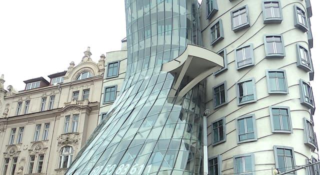 """Geografia Pytanie-Ciekawostka: W której europejskiej stolicy możesz znaleźć budynek znany jako """"Tańczący dom""""?"""