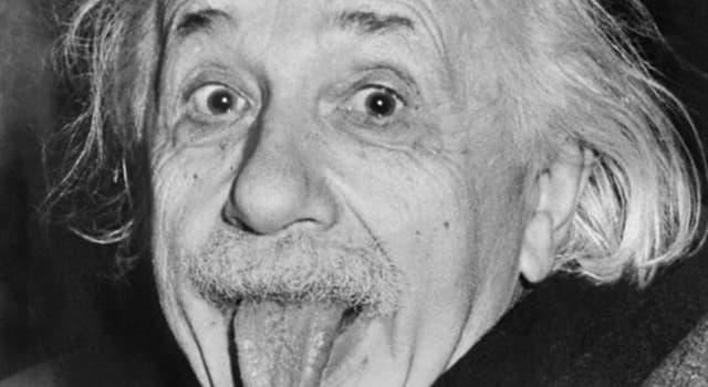 historia Pytanie-Ciekawostka: W którym roku Albert Einstein został obywatelem USA?