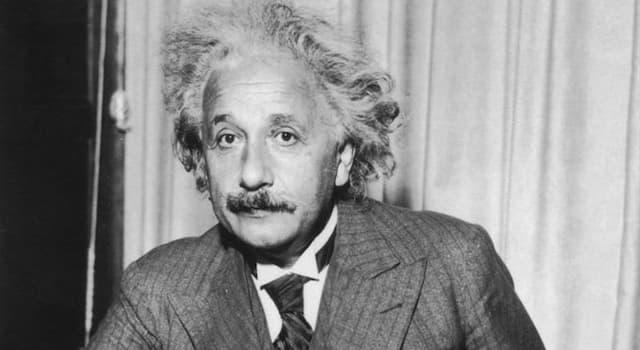 historia Pytanie-Ciekawostka: W którym roku zmarł Albert Einstein?