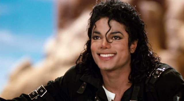 społeczeństwo Pytanie-Ciekawostka: W którym roku zmarł Michael Jackson?