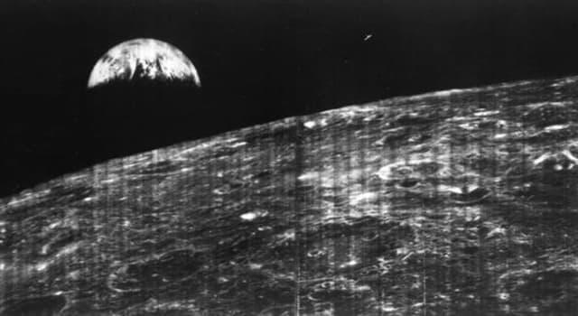 Geschichte Wissensfrage: Was war Neil Armstrong's letzte Aufgabe, bevor er den Mond mit der Apollo 11 Mission verließ?