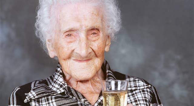 społeczeństwo Pytanie-Ciekawostka: Według Księgi Rekordów Guinnessa, w jakim wieku zmarła Jeanne Louise Calment?
