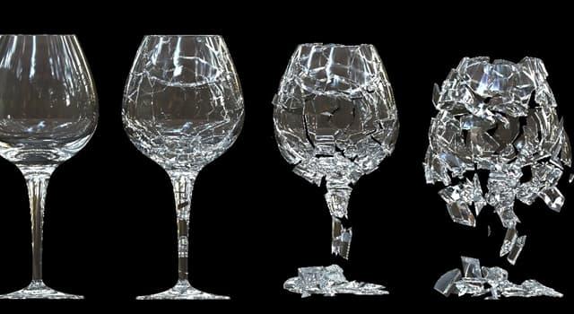 Film & Fernsehen Wissensfrage: Welche Glas wird in Film-Spezialeffekten verwendet, um zu zerbrechen, ohne die Akteure zu verletzen?