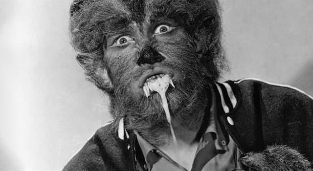 """Film & Fernsehen Wissensfrage: Welcher große Fernsehschauspieler debütierte 1957 im Film """"Der Tod hat schwarze Krallen""""?"""