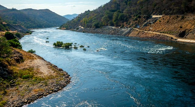 Geographie Wissensfrage: Welches dieser Länder hat keine Flüsse?