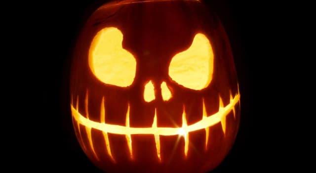 Kultur Wissensfrage: Welches dieser Spiele wird oft an Halloween gespielt?