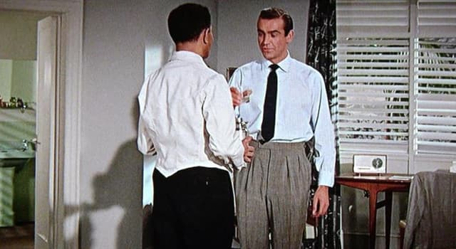 """Film & Fernsehen Wissensfrage: Welches war das erste Getränk, das 007 in den Bond-Filmen """"geschüttelt, nicht gerührt"""" bestellte?"""
