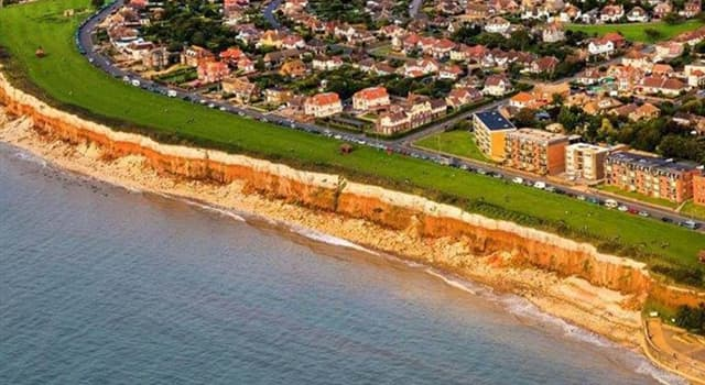 Geography Trivia Question: Which of these facts is true about the small English town of Hunstanton?